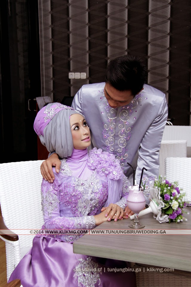 Pernikahan [ Prewed Photo Session ] Sulis & David Dalam Balutan Busana Muslim Hijab Ungu Muda - Make Up & Busana oleh Tunjung Biru Rias Pengantin (tunjungbiruwedding.ga) - Foto oleh : Klikmg 2 Fotografer Bandung