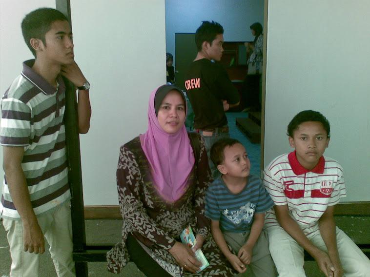 my mum n adk2..=)