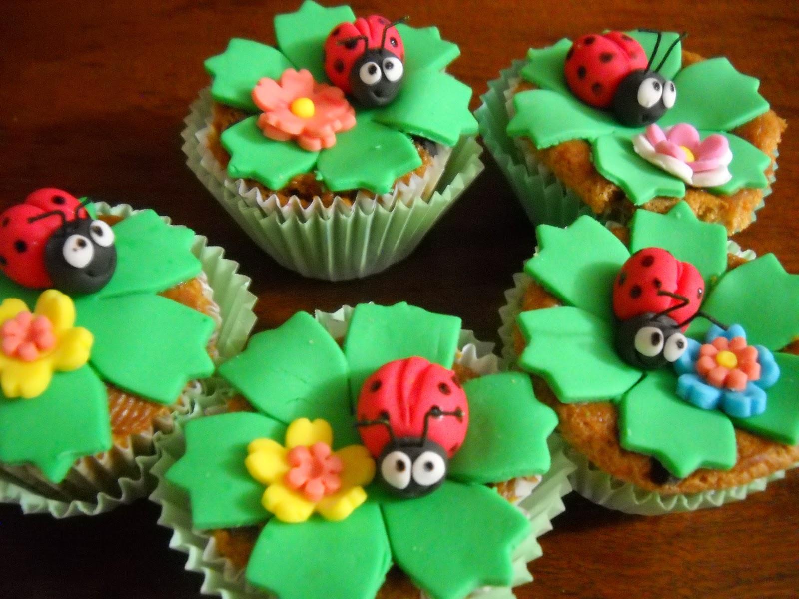 Mis Tortitas Decoradas: Torta de cumpleaños Vaquita de San Antonio