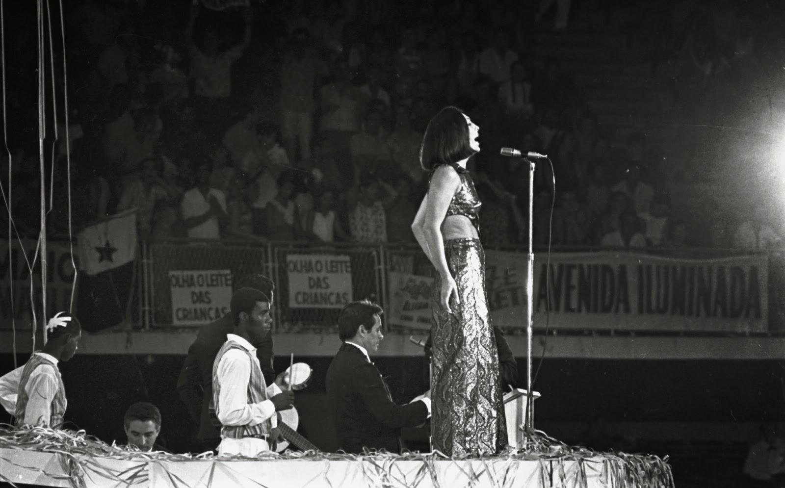 Marlene no Maracanãzinho, em 1968