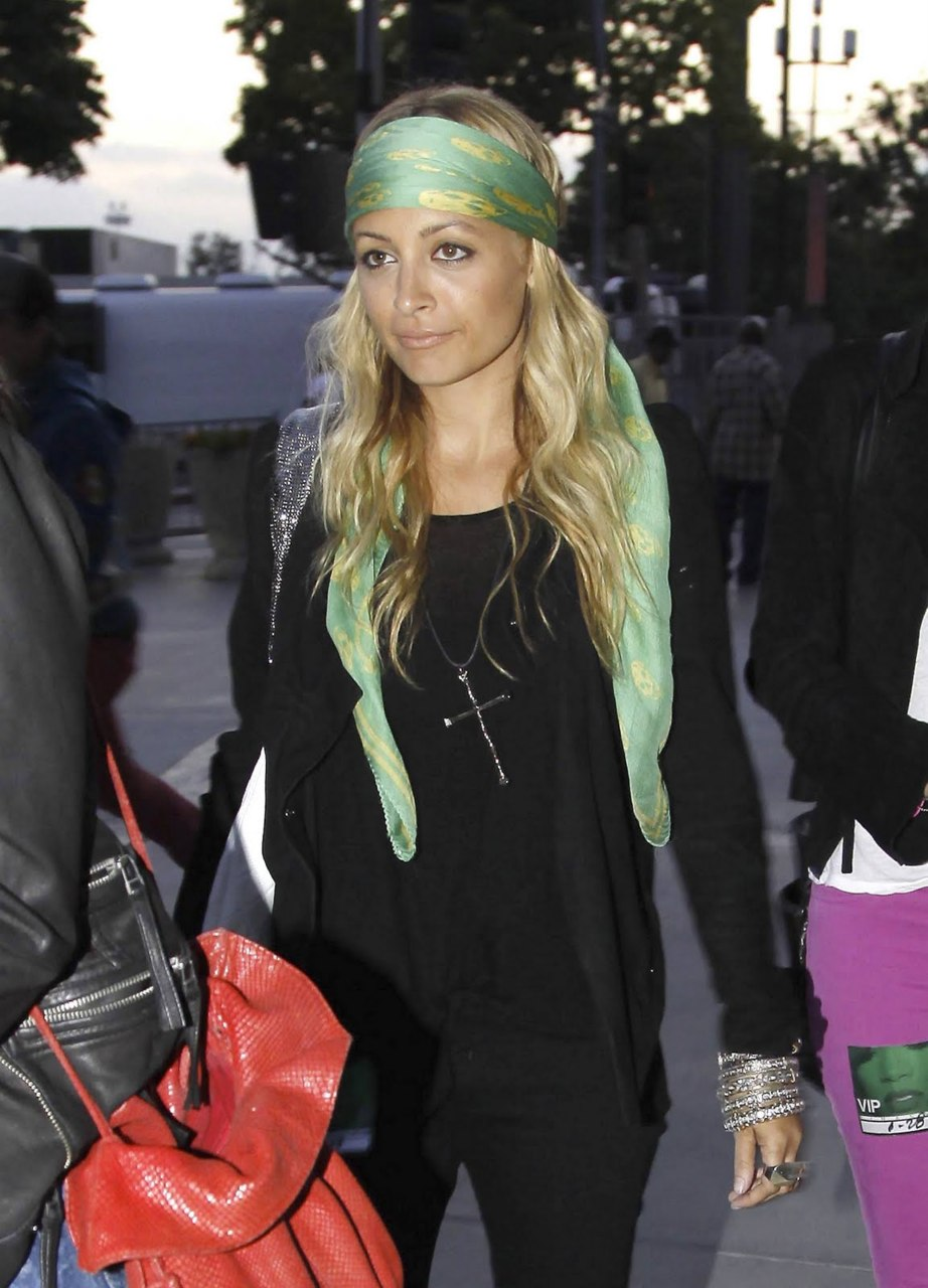 The Girl Who Couldn 39 T Wear Make Up And Other Tales Nicole Richie Style Guru