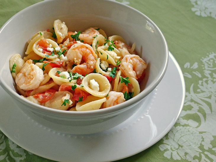 Cooking Weekends: Greek Style Salad Shrimp and Pasta
