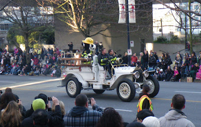 Santa Claus Parade, Vancouver, 2011, collection car of Vancouver Fire Department