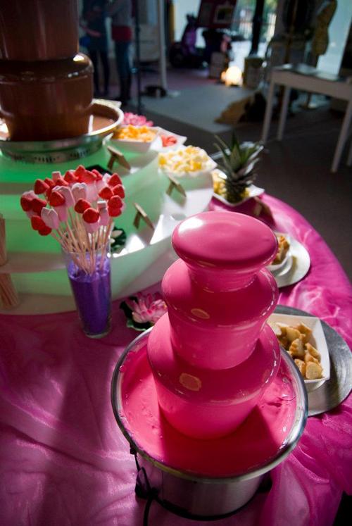 fuente chocolate boda colores
