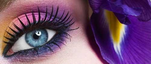 maquillar los ojos con sombras en crema