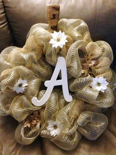DIY Deco Mesh Wreaths #Dreamsmorerealthanreality