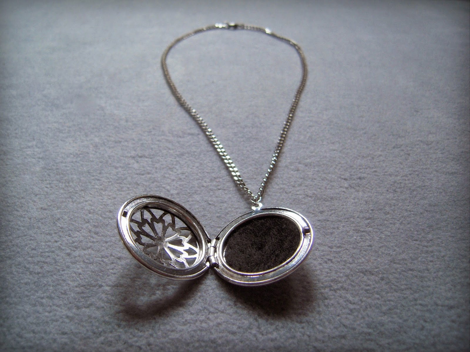 greetings from nelland aromatherapy necklace