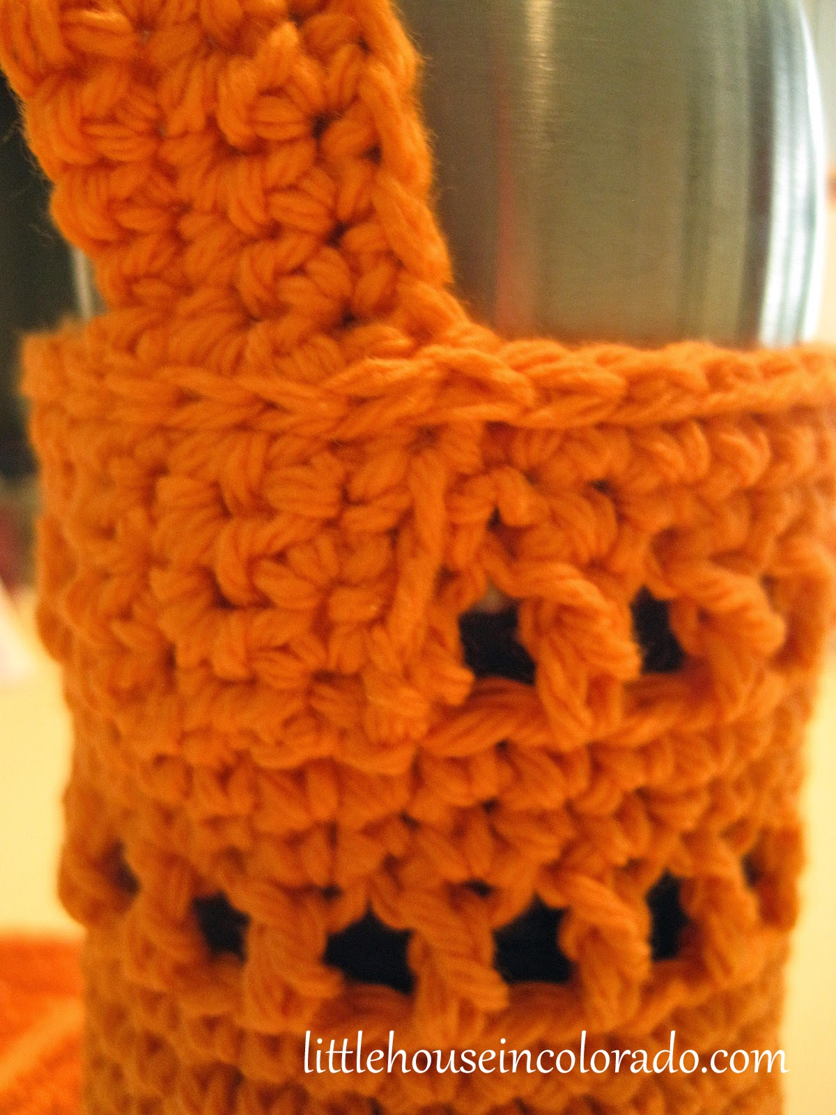 Little house in colorado pattern for crochet water bottle holders close up of the strap attachment and the slip stitches across the top bankloansurffo Choice Image