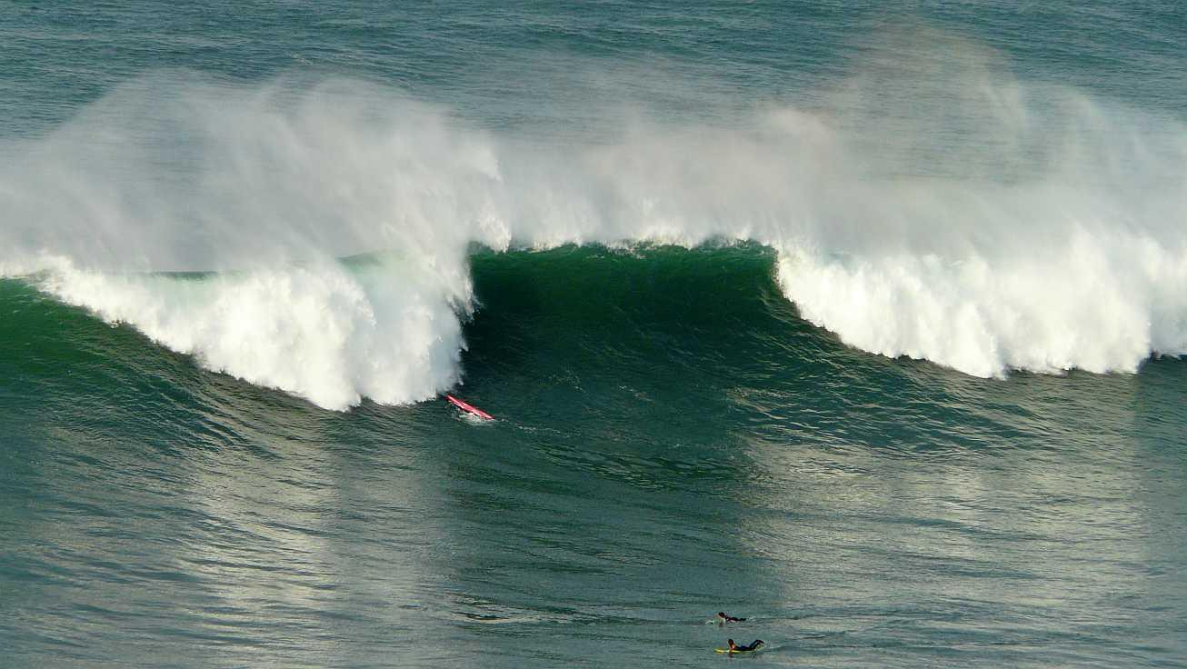 surf menakoz diciembre 2015 olas grandes 04