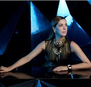 Claudia Raia é a mais nova estrela da campanha da Morana Acessórios.