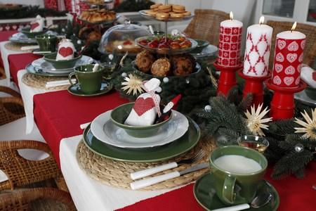 Decoraci n f cil decorar la mesa en navidad - Como decorar la mesa de navidad ...