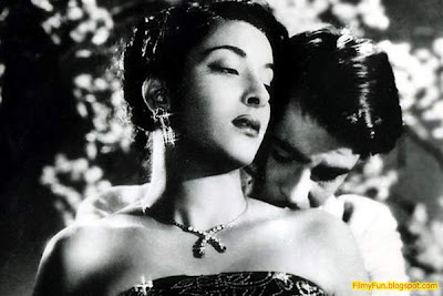 Raj_Kapoor_Nargis_best_couple_in_bollywood_FilmyFun.blogspot.com