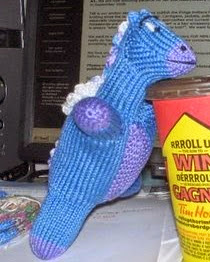 http://web.archive.org/web/20110902052654/http://kknitssend.blogspot.com/2008/07/knitted-toy-seamless-baby-dragon.html