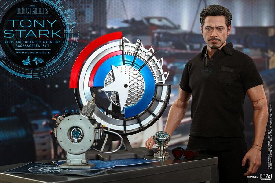 Iron Man 2: 1/6th Tony Stark W/ Arc Reactor Creation Accessories