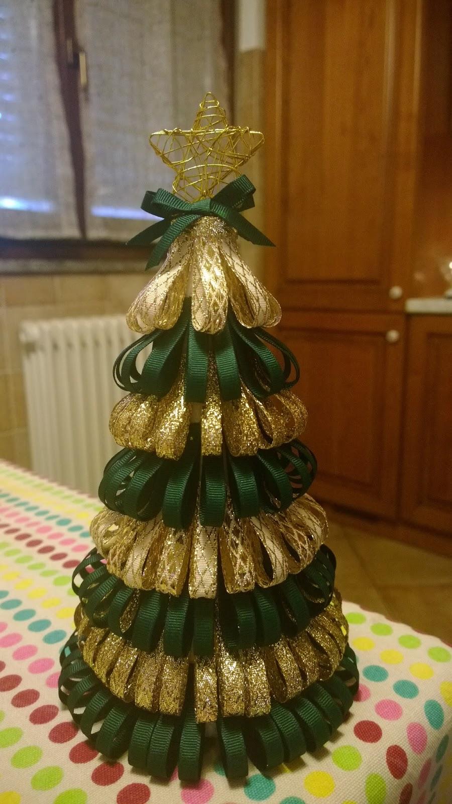 Crealando alberelli di natale con i nastri - Nastri decorativi per albero di natale ...