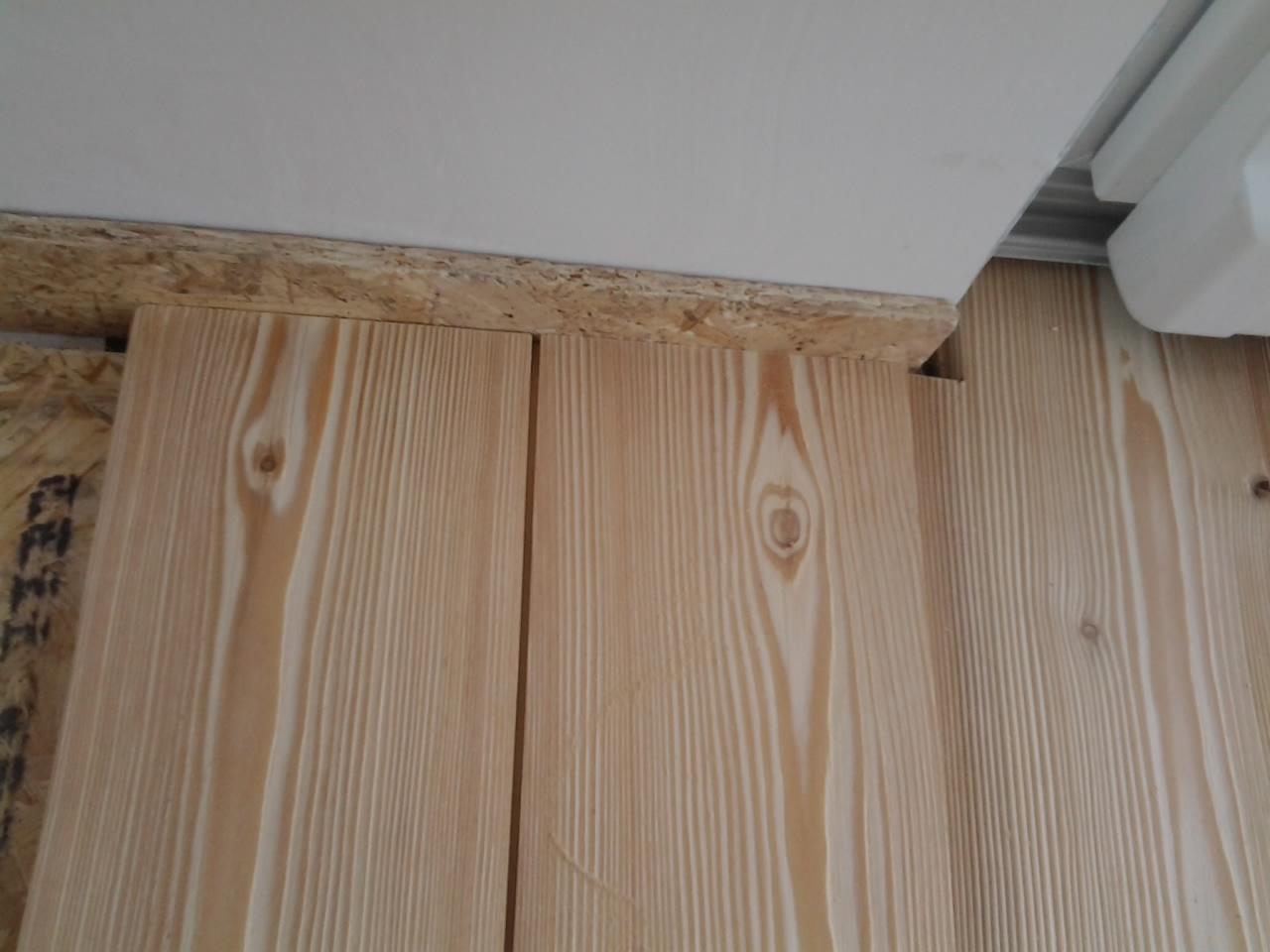 Le fasi di posa di un pavimento in larice massello - Tavole di larice piallate ...