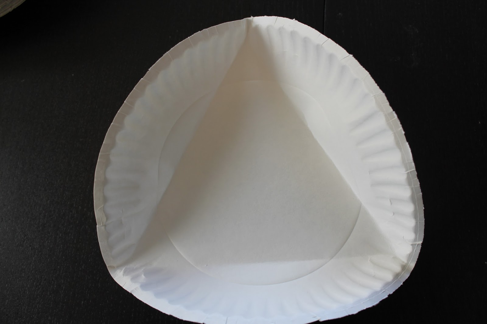 & Cook and Craft Me Crazy: Paper Plate Balls