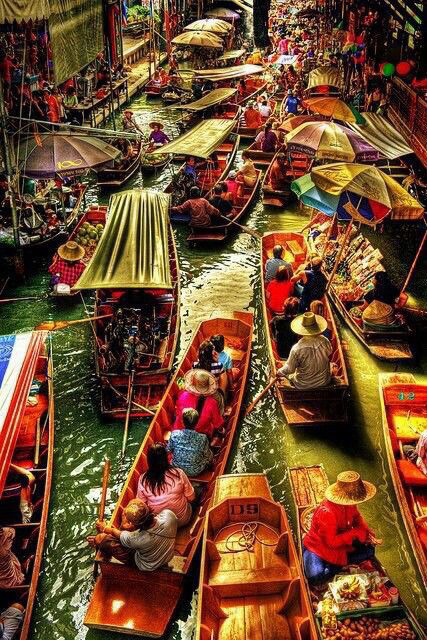 floating market in bangkok thailand