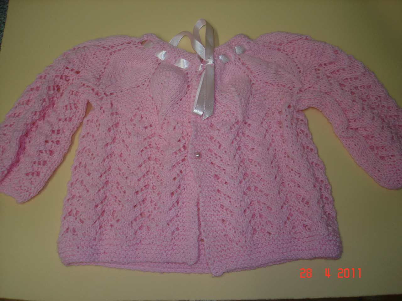 Este casaquinho muito fofo fiz pela receita quinhabebe.blogspot.com