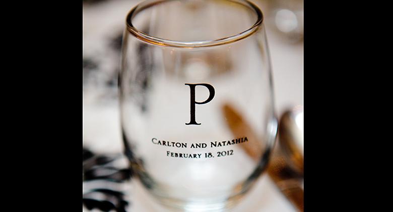 customized wedding party wine glass favor