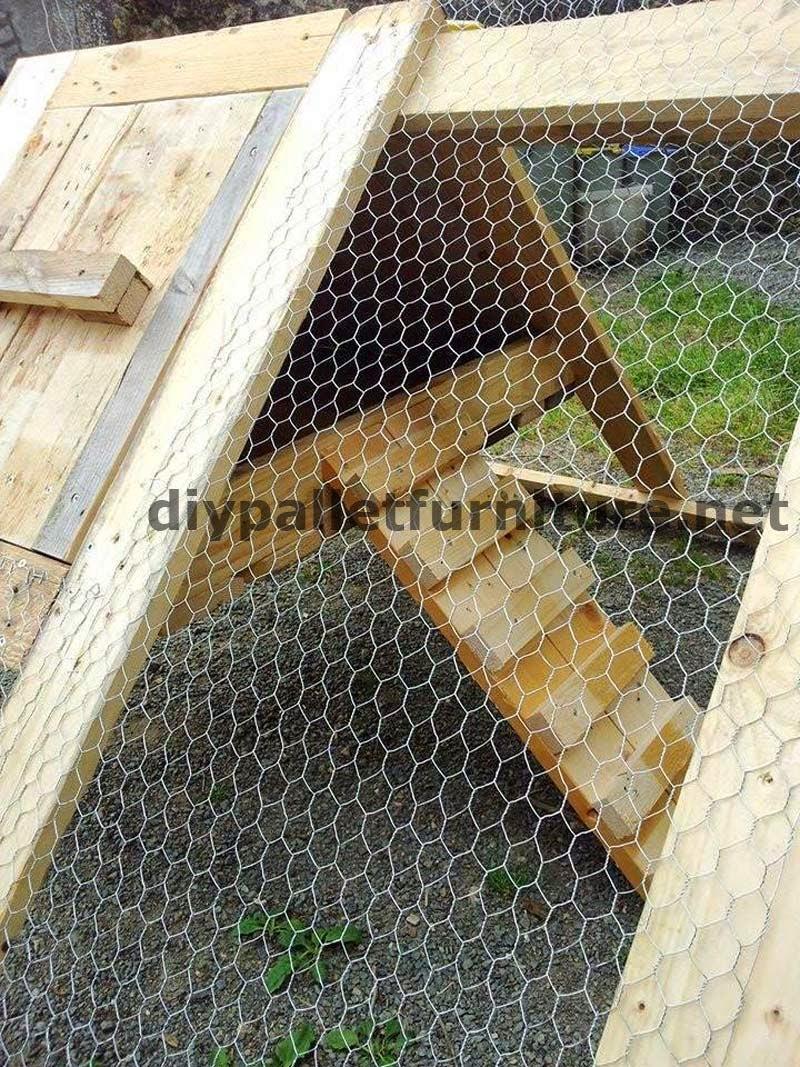 Gallinero hecho con tablas de palets - Estructuras con palets ...