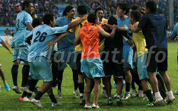 Persela VS Arema Final Piala Gubernur Jatim 2012