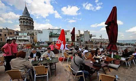 تعرف علي مقهي مقهى جالاتا كوناك في اسطنبول