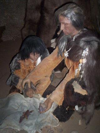 太古のHomo sapiens (クロマニヨン人) : <br>母親と子供