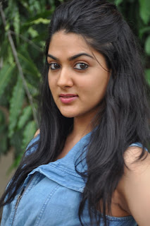 Sakshi Chaudhary in Denim Top Denim Jeans Latest Unsee Spicy Pics