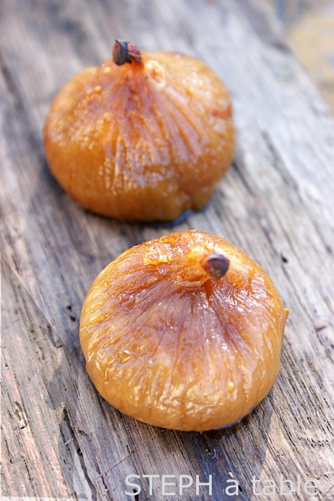 recettes ap ritif de no l 2 figues poch es au monbazillac c ur de foie gras stephatable. Black Bedroom Furniture Sets. Home Design Ideas