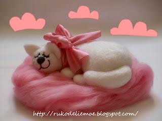 игрушки из шерсти, котик розовые сны