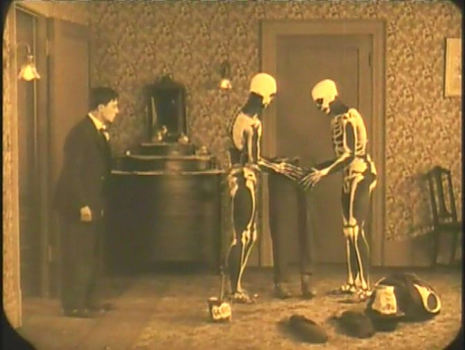 The haunted house 1921 film for Classic haunted house movies