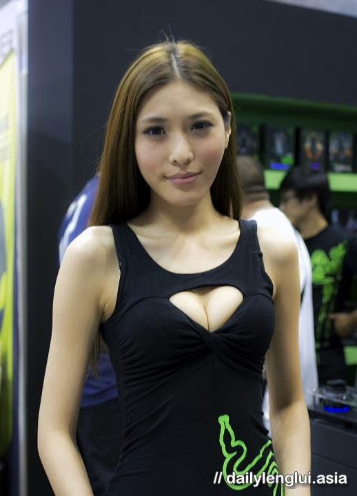li xiao xing naked pics 05