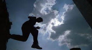 Ilustrasi Lompat ke Jurang
