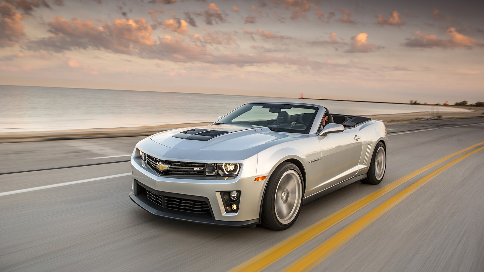 2013 Chevrolet Camaro Zl1 In Triple White Wallpapers