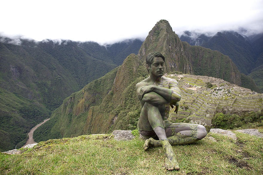 09-Machu-Picchu-Peru-Trina-Merry-Architecture-meets-Body-Painting-in-Lost-in-Wonder