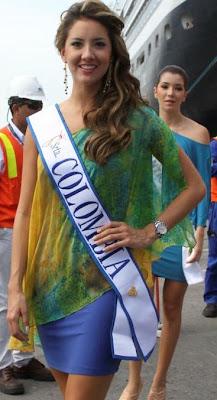 Daniella Alvarez como Srta. Colombia