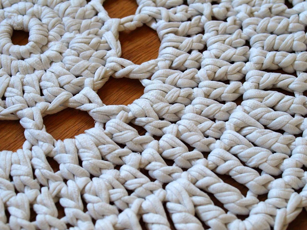 Momo: kleiner runder teppich