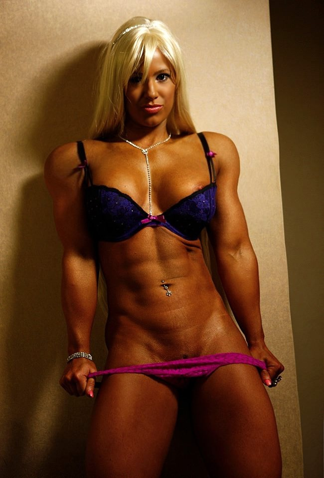 Female bodybuilder big tits