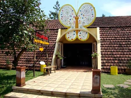 Taman kupu-kupu Tempat Liburan murah di Bandung yang menarik