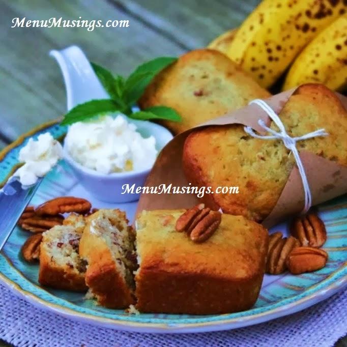 Menu musings of a modern american mom sour cream banana nut bread sour cream banana nut bread forumfinder Gallery