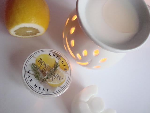 Wosk Kringle Candle - ROSEMARY LEMON