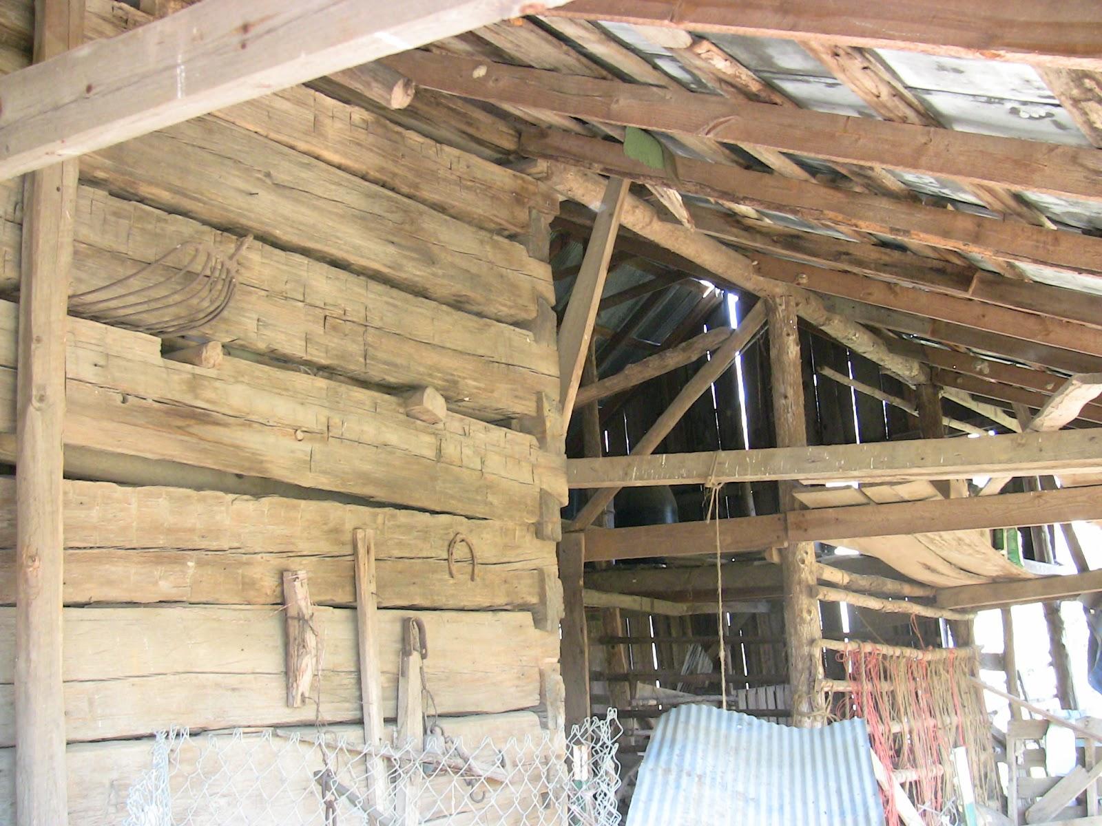 Aufi Jeep >> Exploring Izard County: W. B. Byler Barn