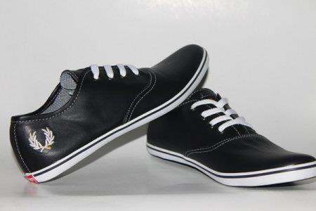 Sepatu Fred Perry FP04
