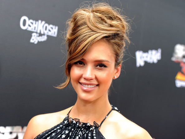 Wedding Styles For Short Hair: Jessica Alba Funky Messy Updo Hairstyle