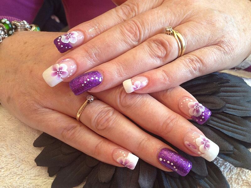 Uñas Decoradas Color Violeta