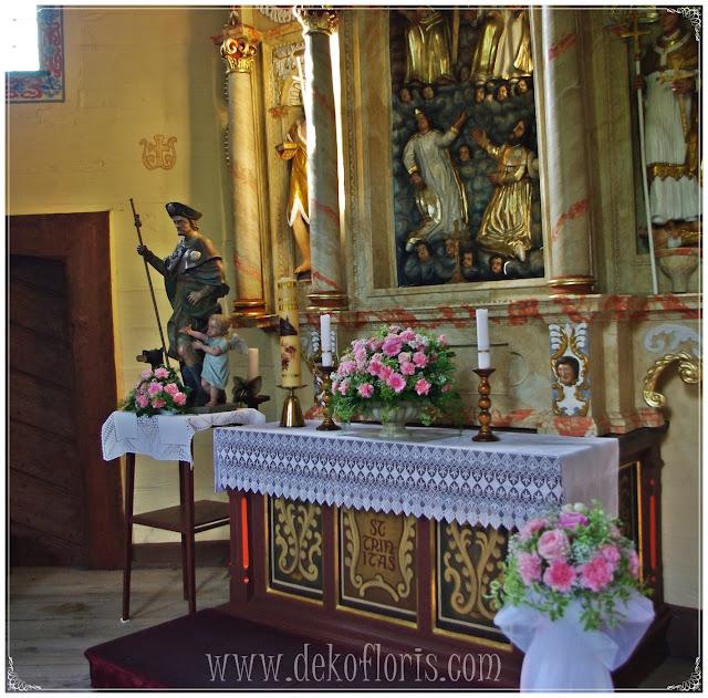 Różowa dekoracja ślubna kościoła Dobrzeń Wielki