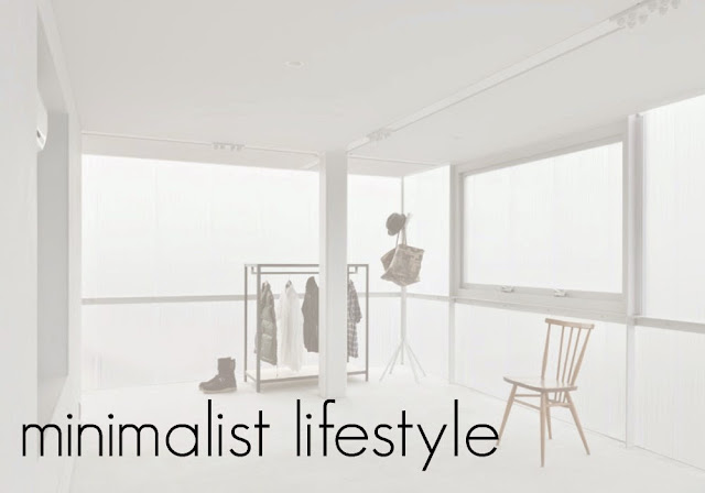 letmecrossover_blog_minimalist_lifestyle_minimalism_white_room_clean_space_declutter