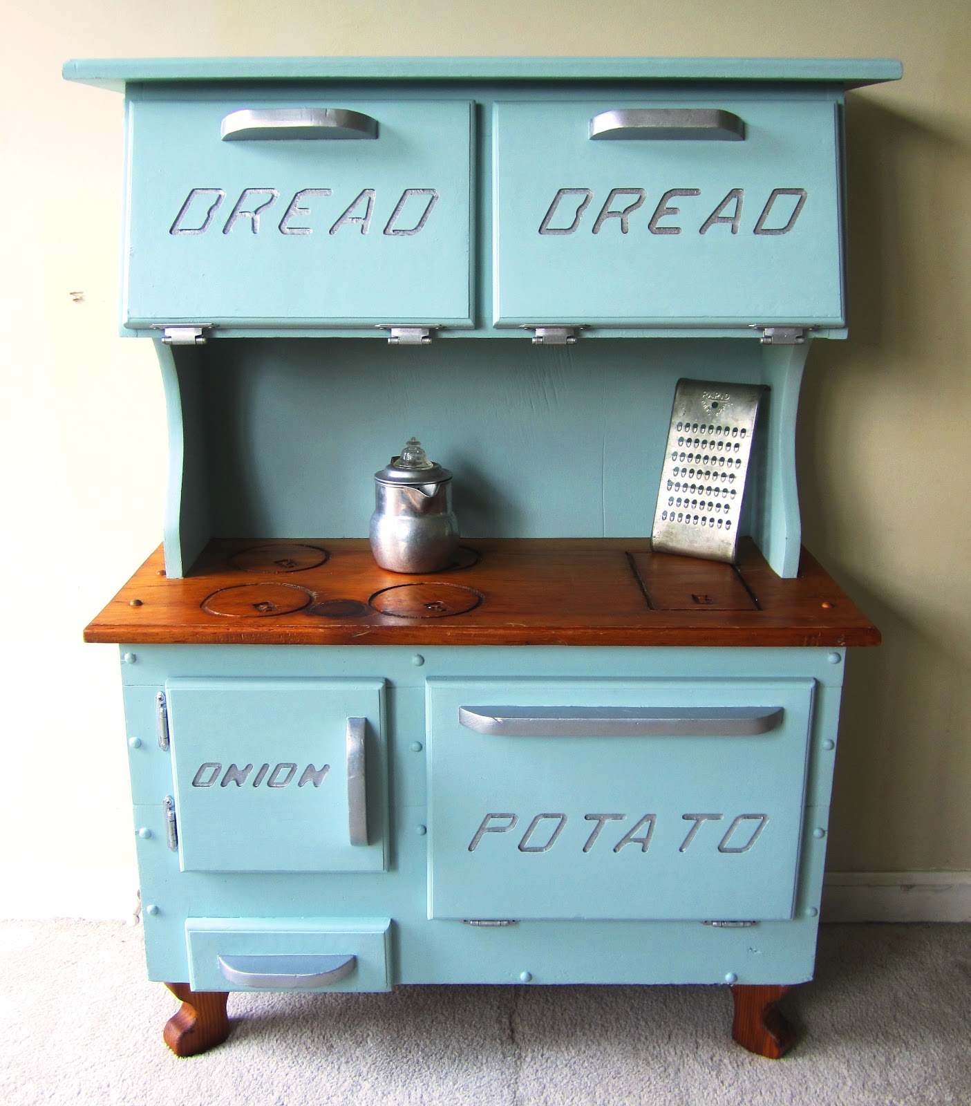 Foxglove Design: Play Kitchen / Bread Box / Potato & Onion Bin