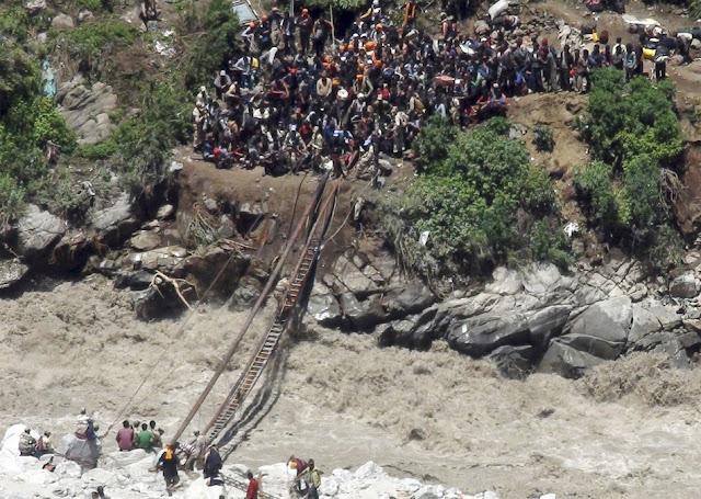 வெள்ள நிவாரணப் பணிகள்-கேதர்நாத்..படங்கள் இணைப்பு Floods.+Rescue+33.